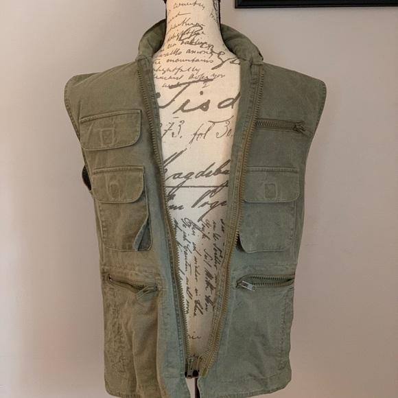 2083787887dc6 Banana Republic Jackets & Coats   Fishing Hunting Vest Size S   Poshmark